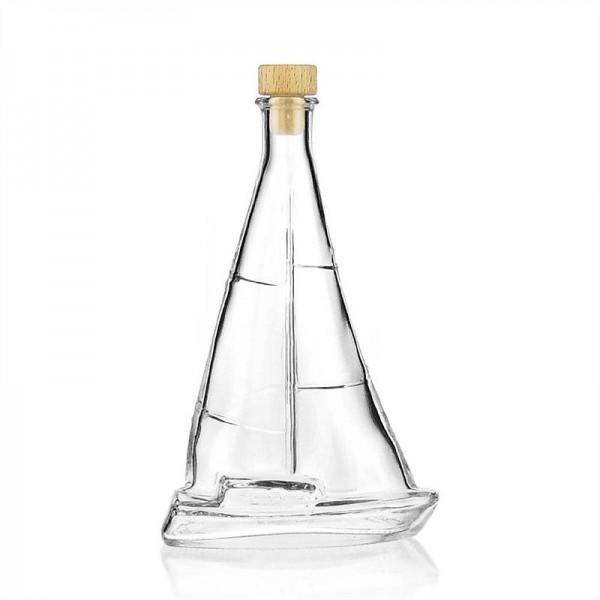 Laivo formos butelis
